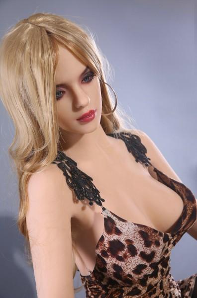 Hazel von Qita Doll