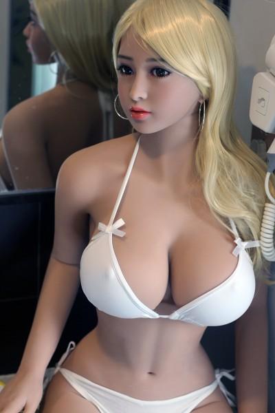 Sexpuppe Debby