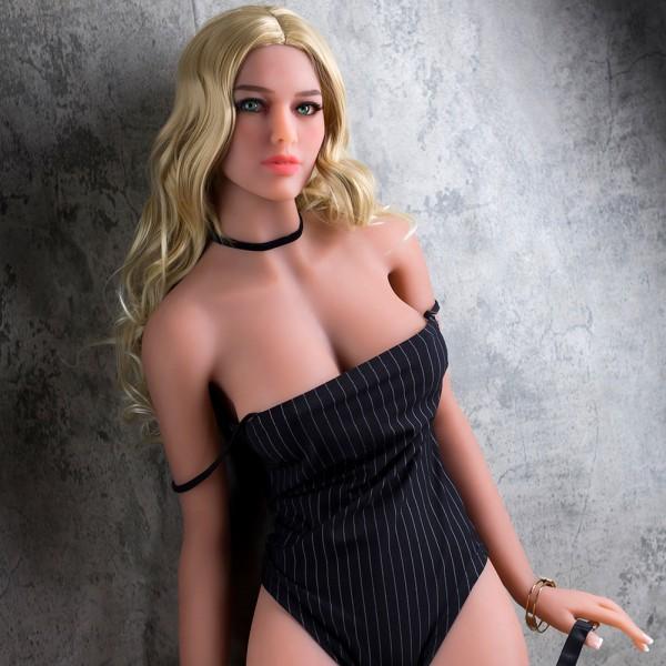 Sexpuppe Casha